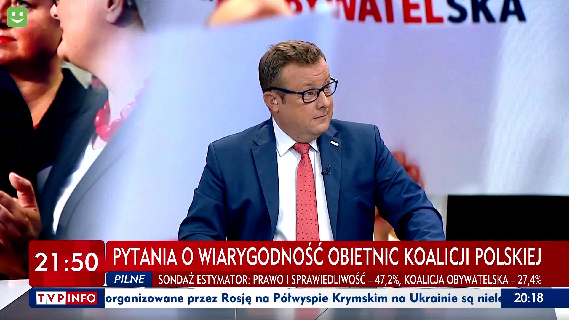 """Zdaniem Adriana Klarenbacha - prowadzącego program """"Minęła dwudziesta"""" - aptekarzem jest właściciel apteki (fot. Screen TVP VOD)"""