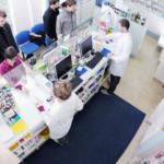 Personel medyczny będzie obsługiwany w aptekach poza kolejnością?
