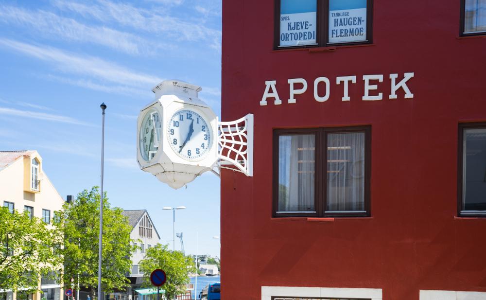 W wyniku porozumienia norwescy farmaceuci dostaną podwyżki wysokości od 15 000 do 30 000 NOK (fot. Shutterstock)