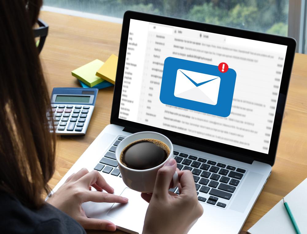 Inspektor uzał, że newsletter jest formą reklamy skojarzeniowej, promującej wszystkie apteki o tej samej nazwie, logotypie i kolorystyce (fot. Shutterstock)