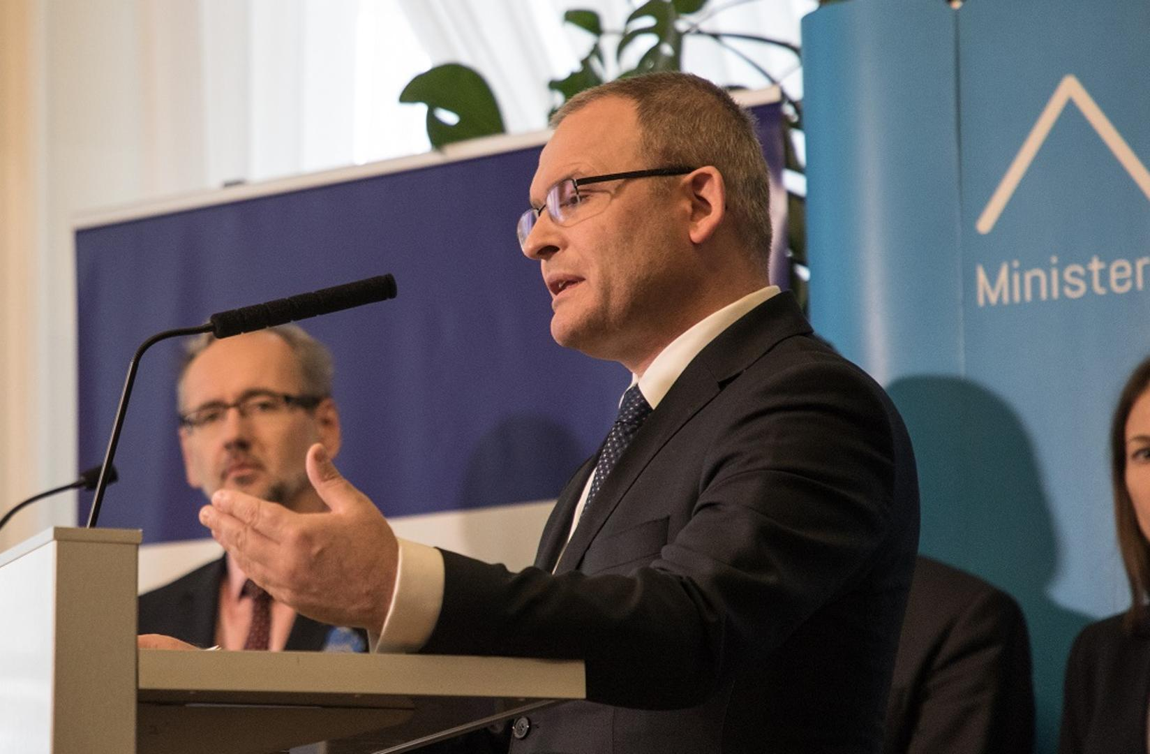 Obszernej odpowiedzi na interpelację posłanki udzielił wiceminister zdrowia Maciej Miłkowski (fot. MZ)