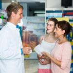 Przed użyciem skonsultuj się z lekarzem... A co z farmaceutą?