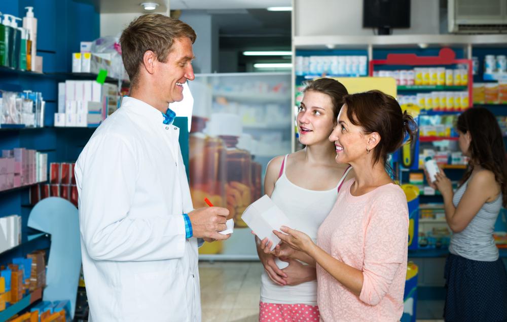 70% młodych Włochów postrzega aptekę jako miejsce ciepłe i gościnne ( fot. Shutterstock).
