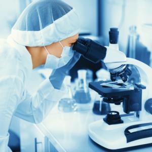 Leki produkowane z nadwyżek osocza – MZ ma na to pomysł