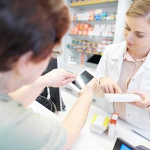 Troska o pacjentów czy chęć zwiększenia zysków? Minister o punktach aptecznych…