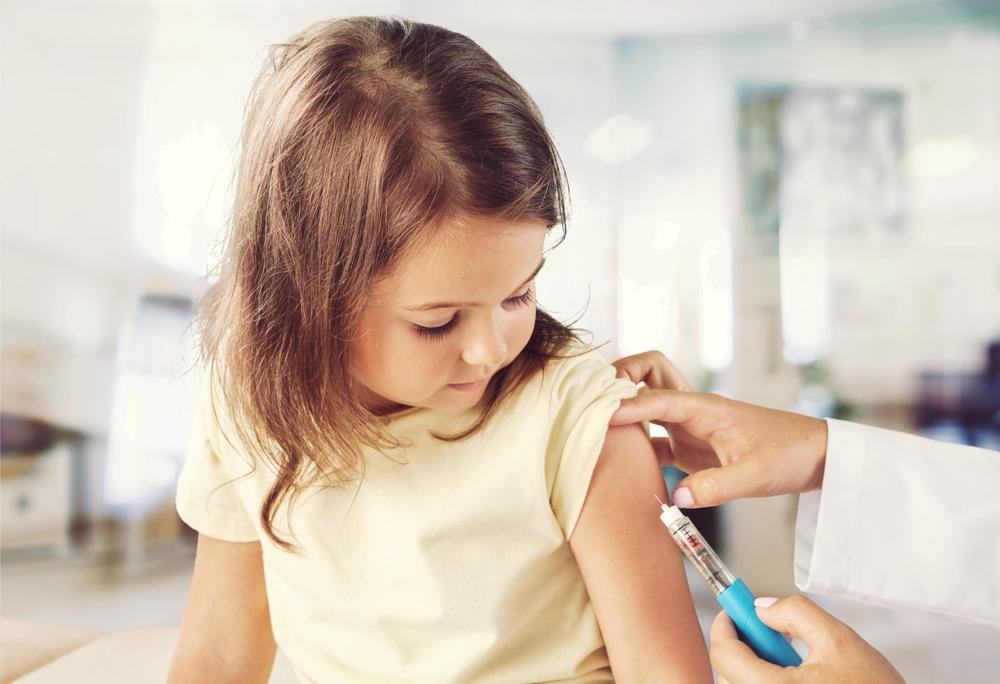 Minister zdrowia obiecał, że od 2021 roku szczepienia na HPV wejdą do kalendarza szczepień ochronnych (fot. Shutterstock).
