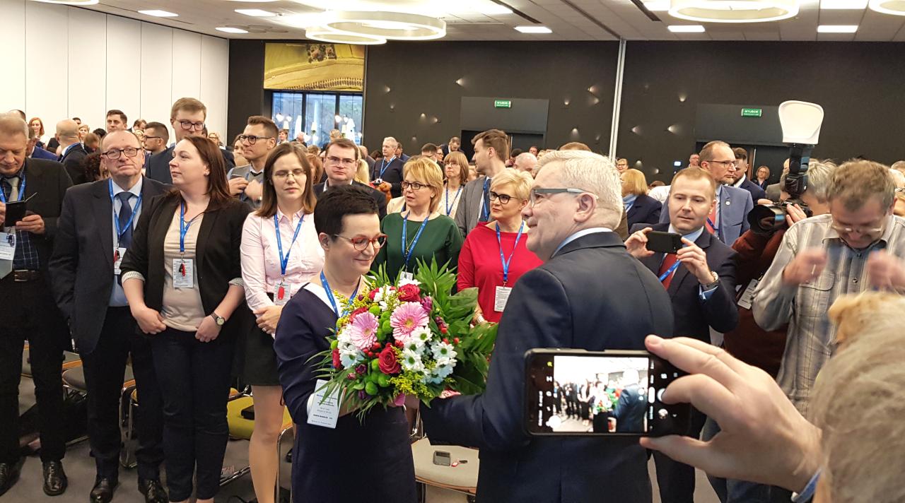 Elżbieta Piotrowska-Rutkowska została wybrana na funkcję prezesa Naczelnej Rady Aptekarskiej na kolejną kadencję (fot. MGR.FARM)
