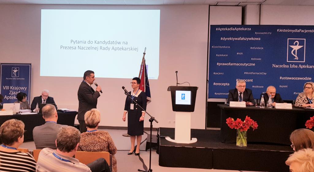 Kandydatka na stanowisko prezesa NRA odpowiada na pytania delegatów (fot. MGR.FARM)
