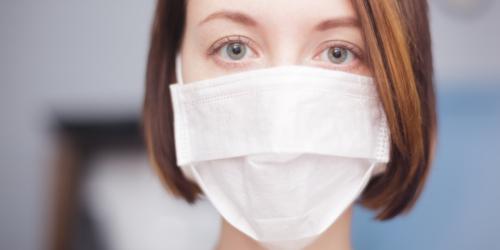 Czy maseczka z apteki ochroni przed zakażeniem koronawirusem?