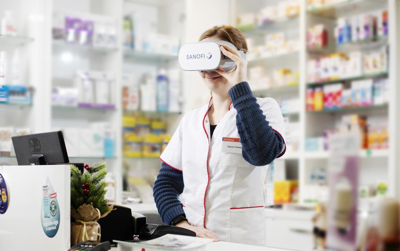 Okulary wirtualnej rzeczywistości pozwalają na pokazanie produktów Sanofi z zupełnie nowej perspektywy (fot. MGR.FARM/Maciej Zawadzki)