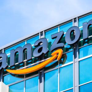 """Czy francuskim farmaceutom grozi """"uberyzacja""""? Obawiają się Amazona…"""