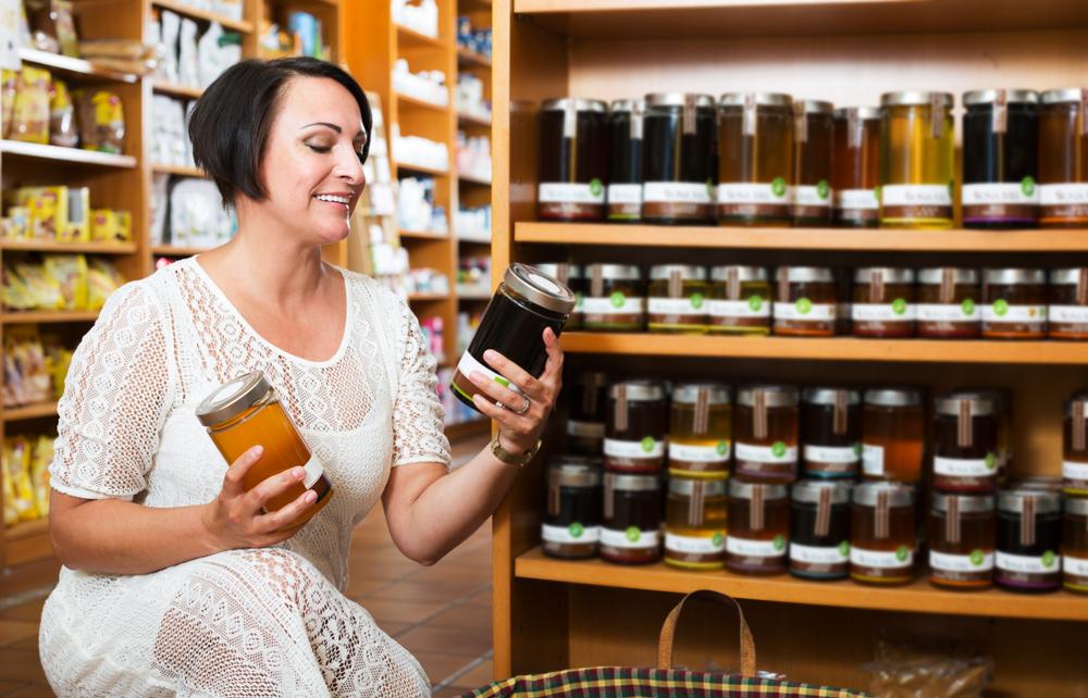 Obecność w aptecznym asortymencie miodów i innych produktów pszczelich stanie się już niedługo zjawiskiem powszechnym (Fot. Shuterstock)