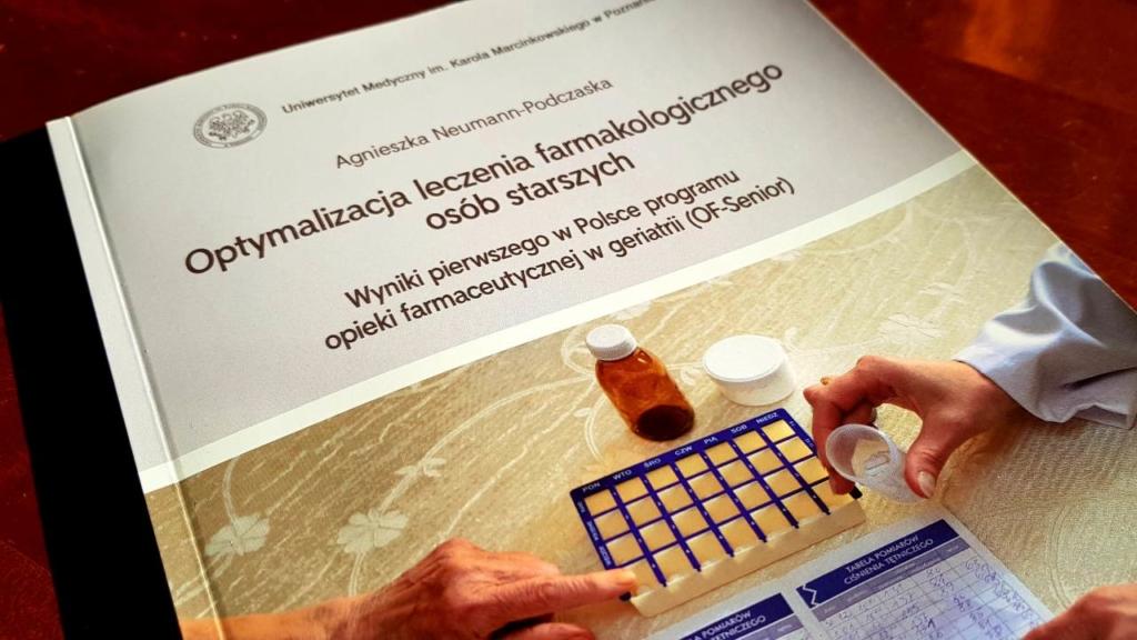 """Podsumowanie programu """"Opieka farmaceutyczna w geriatrii"""" (OF -Senior) (fot. MGR.FARM)"""