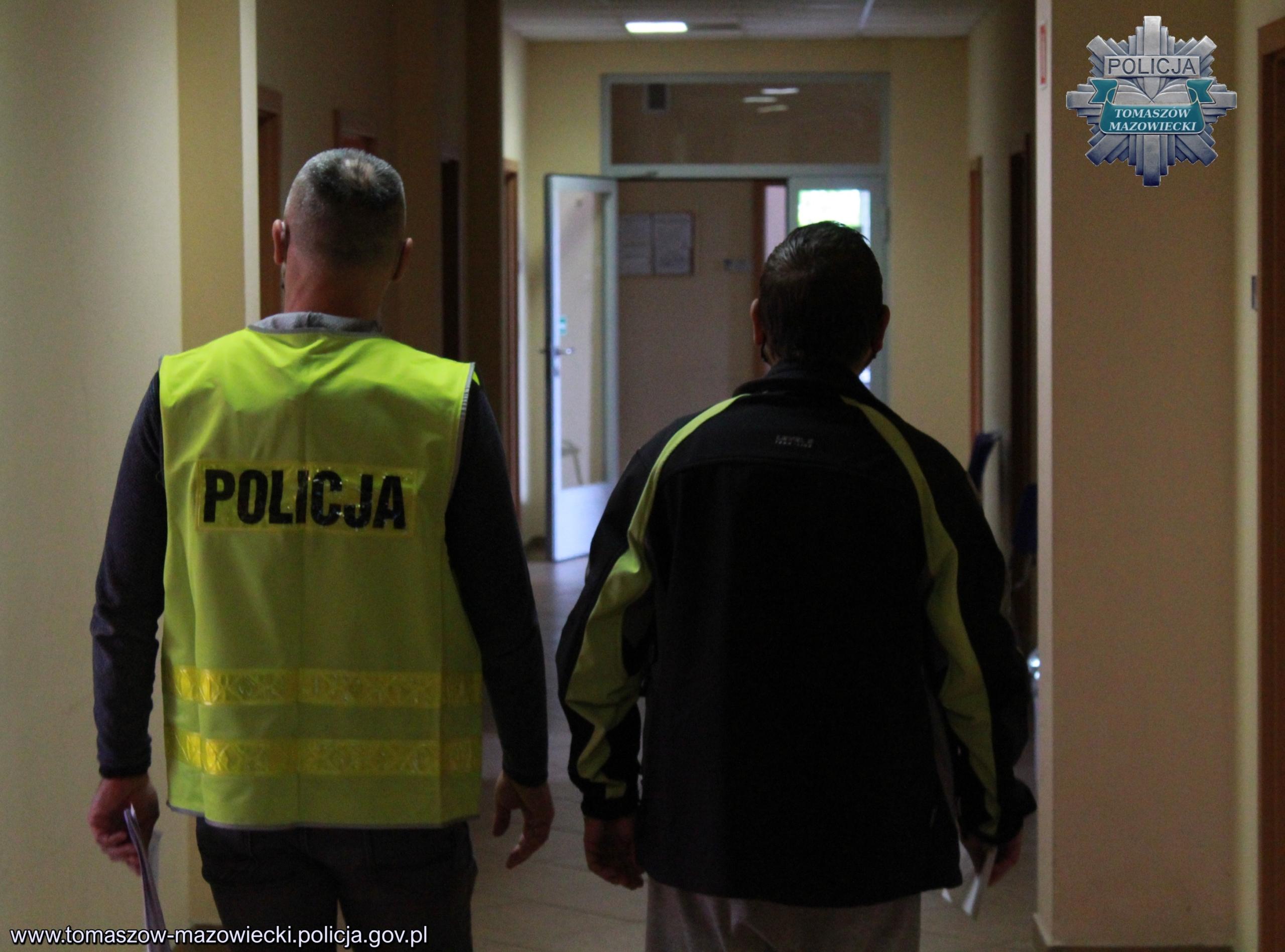 Mężczyzna usłyszał już zarzut, za który grozi mu kara nawet do 5 lat więzienia (fot. KPP w Tomaszowie Mazowieckim)