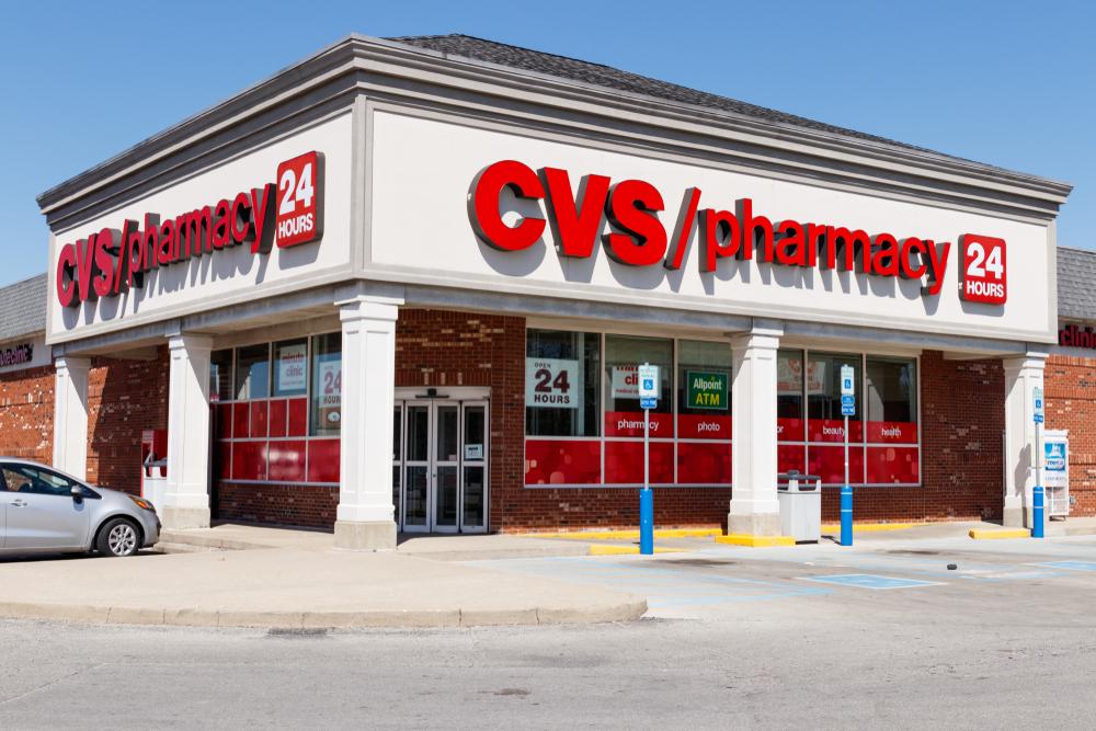 CVS, z siedzibą w Woonsocket, Rhode Island, w październiku zapowiedziało, że planuje zatrudnić około 10 tys. techników farmaceutycznych po to, by wesprzeć akcję podawania szczepionek (fot. Shutterstock).