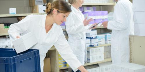 Anglia: w kwietniu apteki zorganizowały ponad 400 tysięcy dostaw leków do pacjentów