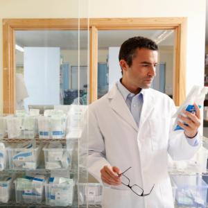 Odpowiedzialność prawna farmaceuty za wystawione recepty…
