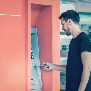 Bankomat w aptece? Według inspekcji to niedopuszczalne…