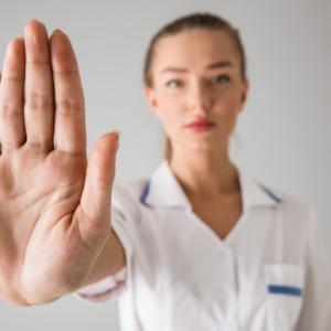 """""""Zero tolerancji dla patologii"""". Izba aptekarska apeluje o ich zgłaszanie…"""