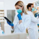 O 3 sposobach, w jakie farmaceuci mogą pomóc pacjentom w czasie drugiej fali COVID-19