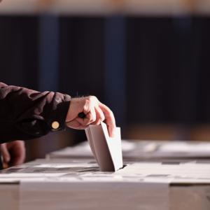 Komu zależy na niskiej frekwencji wyborczej?