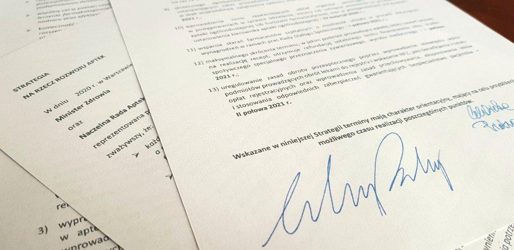 """""""Strategia na rzecz rozwoju aptek"""" budzi kontrowersje. Pyta o nie jeden z posłów... (fot. Shutterstock)"""