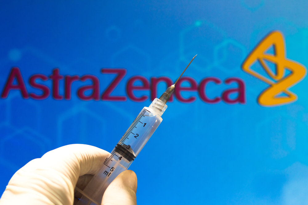 DSRU ma zamiar włączyć do badania 10 tys. pacjentów, którzy, po przyjęciu szczepionki Oxford/AstraZeneca, będą kontrolowani w regularnych odstępach czasowych, aby sprawdzić, czy doświadczyli oni ewentualnych efektów ubocznych (fot. Shutterstock).