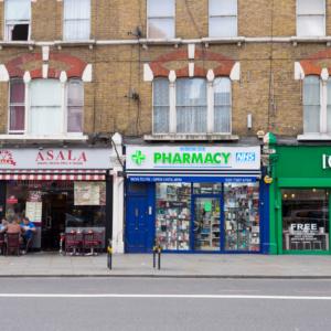 """Anglia: plan wdrożenia usługi """"Najpierw apteka"""""""